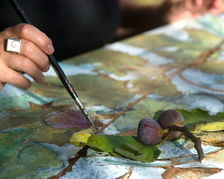 Hand and brush painting figs